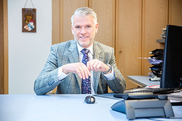 Steffen Vogel ist Fachanwalt für Arbeitsrecht in Haßfurt, Schweinfurt, Bamberg und Würzburg.